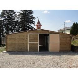 Barn de huit boxes chalet tout bois
