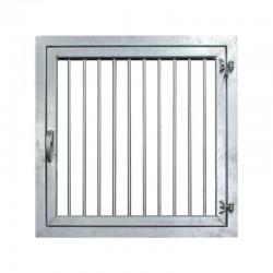 Fenêtre plexiglas avec barreaux